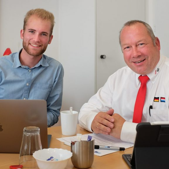 Unternehmer Maximilian Müller mit Mentor Rainer Dango